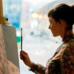 感性とセンスを尊重しよう!アート系女子の特徴&付き合うためのテクニックをご紹介!