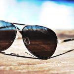 30代男性へサングラスをプレゼントするなら、おさえる大切なポイントはたった3つ!